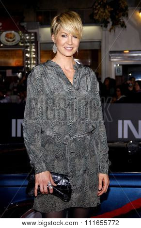 LOS ANGELES, USA - Jenna Elfman at the Los Angeles Premiere of