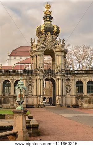 Zwinger Entrance