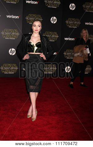 LOS ANGELES - DEC 14:  Peyton List at the Star Wars: The Force Awakens World Premiere at the Hollywood & Highland on December 14, 2015 in Los Angeles, CA