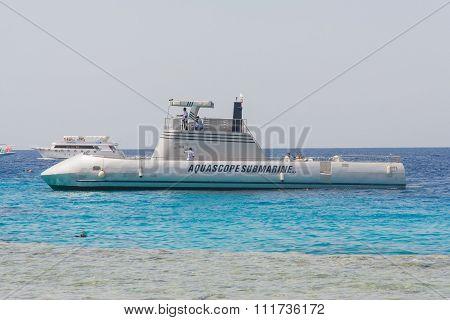 Touristic aquascope submarine
