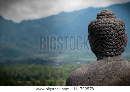 Statue Buddha Facing the Mountains