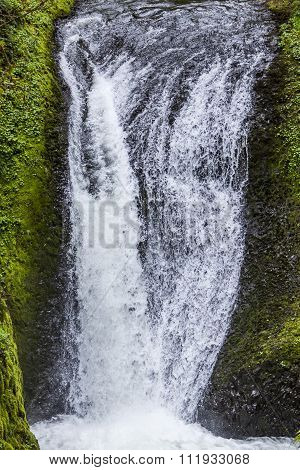 Beautiful Waterfalls In Multnomah Oregon And Columbia River Gorge