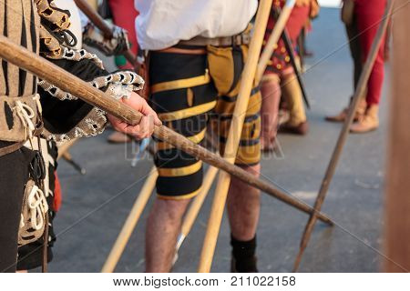 Fight with Medieval European Spears, Pole Weapons: Shafts and Pointed Heads