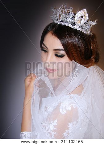 photography with scene of the self-conscious bride with corona