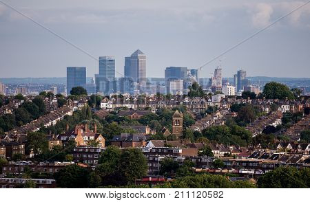 London, Uk - August 24, 2017: Canary Warf As Seen From The Alexandra Park