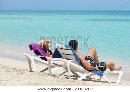 Man And Woman Doing Honeymoon In Cuba