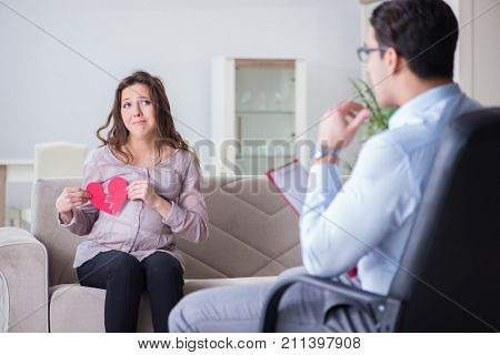 Pregnant woman visiting psychologist doctor