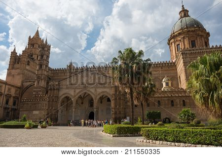 Palermo Cathedral (metropolitan Cathedral Of The Assumption Of Virgin Mary) In Palermo, Sicily, Ital