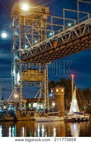 divorce is the lifting of the bridge for the passage of ships in the night