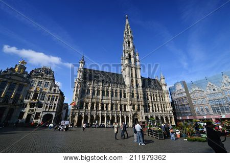 Brussels, Belgium - April 2015: Tourists Visiting The Town Hall Of The City Of Brussels, A Building