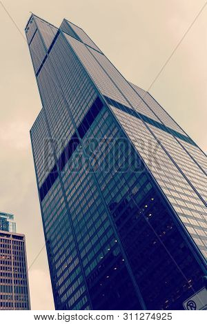 Chicago, Illinois, Usa - March 30, 2016: Willis Tower Formerly Sears Tower In Chicago. It Is 442m Ta
