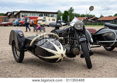 Paaren Im Glien, Germany - June 08, 2019: Motorcycle Bmw R25/3 With Sidecar, 1955. Die Oldtimer Show