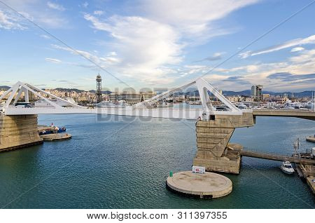 Barcelona, Spain - November 10, 2018: Port Vell With Its Bascule Bridge Porta Deuropa And The Aerial