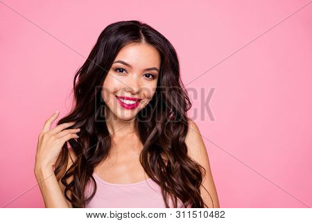 Close-up Portrait Of Her She Nice-looking Glam Luxurious Shine Attractive Charming Winsome Lovely Lo