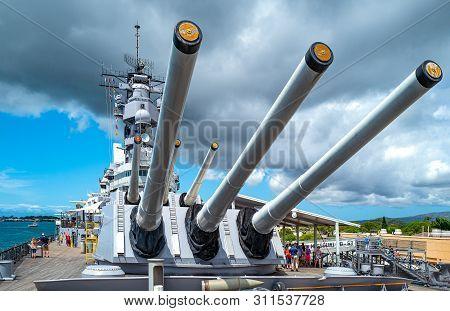 Honolulu, Awaii - May 3, 2019: Pearl Harbor, The Sixteen Guns Of The Missoury Battleship