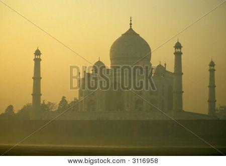 Taj Mahal, Sunrise