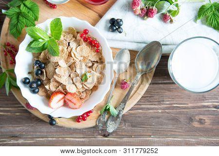 Multigrain Wholewheat Healthy Cereals. Healthy Tasty Breakfast Multigrain Wholewheat Healthy Cereals