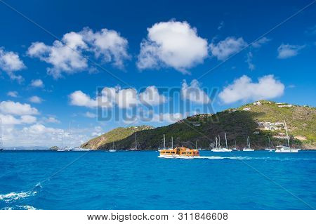 Perfect Place Relax Body Recharge Soul. Tropical Island. Mountain Shore St.barts. Travelling And Wan