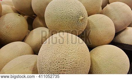 Sweet Fresh Melon Fruit Can Eliminate Thirst