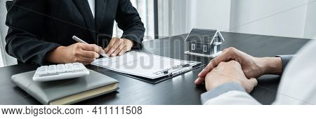 Estate Agent Broker Presentating To Client Decision Signing Agreement Contract Real Estate With Appr