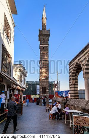 Diyarbakir, Turkey - October 9, 2020: This Is The Minaret Of The Sheikh Matar Mosque Based On Four C
