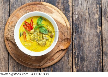 Top View Thai Food, Green Curry Chicken