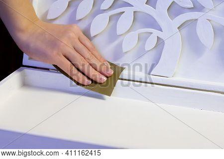 Craftwork White Painted Wooden Casket Polishing. Diy Box