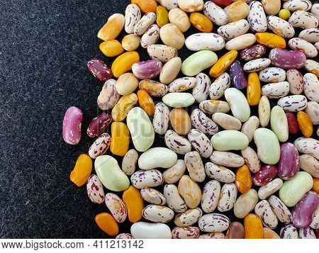 Top Angle Shot Of Scattered Of Colorful Uncooked Kidney Beans, Scattered Of Raw Kidney Beans (legume