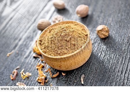 Nutmeg Round In Bowl On A Table