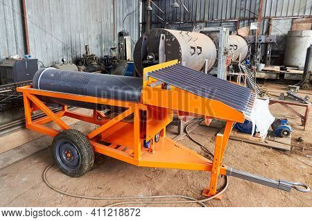 Newly Manufactured Trommel Screen For Rock Washing During Gold Mining