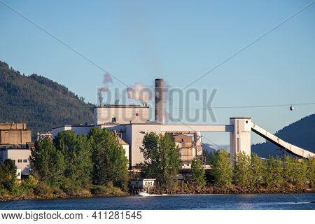 Port Alberni, Canada - August 17, 2020: View Of Port Alberni Paper Mill On The Edge Of The Alberni I