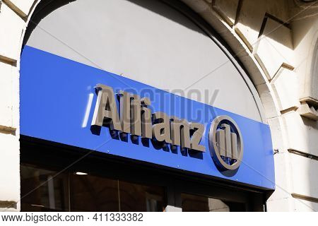 Bordeaux , Aquitaine France - 03 03 2021 : Allianz Insurance Sign Logo And Brand Text Wall Store Off