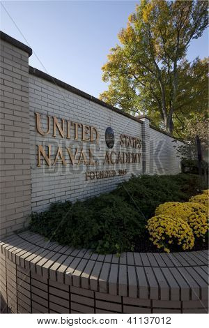ANNAPOLIS, MD-OCT 21: The entrance to the US Naval Academy in downtown Annapolis on October 21, 2012 in Annapolis, Maryland. The campus founded in 1845 is located on the former grounds of Fort Severn.
