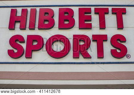 Gwinnett County, Ga / Usa - 07 09 20: Hibbett Sports Sign