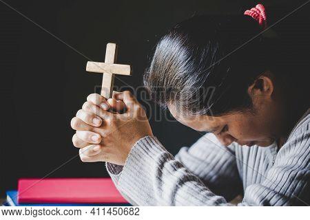 Christian Life Crisis Prayer To God.