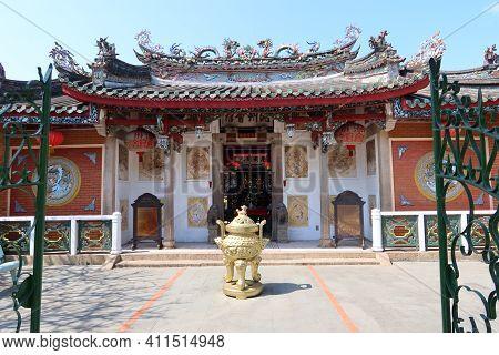 Hoi An, Vietnam, March 8, 2021: Main Facade Seen From The Inner Courtyard Of A Taoist Temple In Hoi