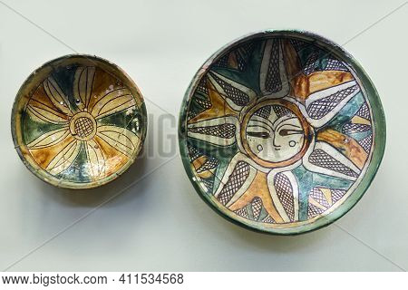 Sevastopol, Crimea - January 31, 2021: Ancient Greek Painted Earthenware Of The 13-14th Centuries Fr