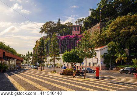 Funchal, Madeira, Portugal - January 21, 2021 : Avenida Sa Carneiro Street And The Santa Catarina Pa