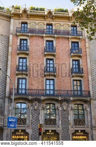 Barcelona, Spain- December 19, 2018: Old Styled Building In Downtown Barcelona, On December 19, 2018