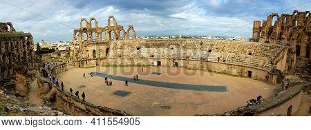 El Jem, Tunisia - 27 October, 2019: Panoramic View Of The Amphitheatre Of El Jem, Tunisia. It Is Lis
