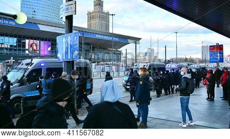 Warsaw, Poland. 8 March 2021. Police During The National Strike Of Protests Against The Constitution