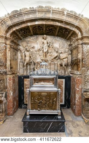 View Of The Resurrection Chapel In The Valencia Cathedral