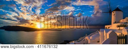 Sunset in the village of Oia on the Greek island of Santorini