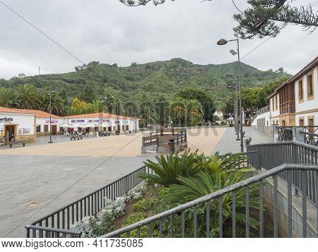 Teror, Gran Canaria, Canary Islands, Spain December 21, 2020: Plaza De Sintes, Market Square Of Beau