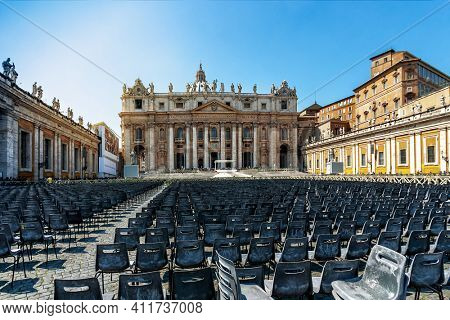 Front view of St. Peters basilica in Vatican City