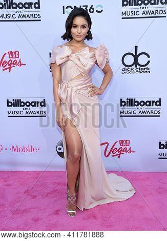 LOS ANGELES - MAY 21:  Vanessa Hudgens arrives for  2017 Billboard Music Awards on May 21, 2017 in Las Vegas, NV