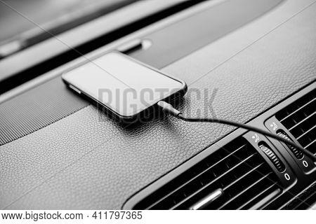Charger plug phone on car. Power plug phone in car