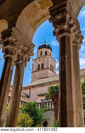 The Cloister Of The Franciscan Monastery In Dubrovnik, Dalmatia In Croatia