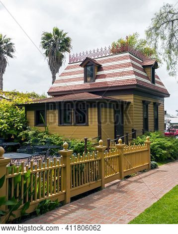 San Diego,ca - April 25,2014:beautiful House In The Old Town Of San Diego,california,united States O