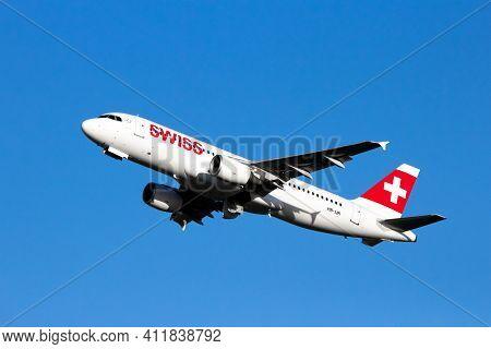 Swiss International Air Lines Airbus A320 Passenger Plane Departing Dusseldorf Airport. Germany - De